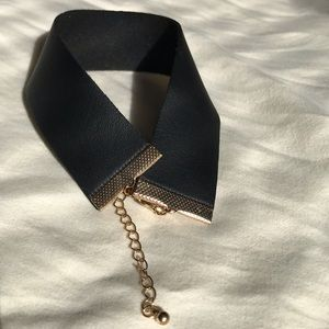 Black faux leather choker FOR 25 % OFF READ BELOW